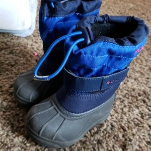 Size 6 Columbia Toddler Boots